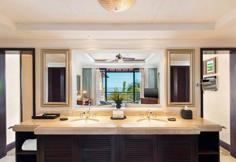 -3216--wes3216gb-160467-Deluxe-Suite---Bathroom