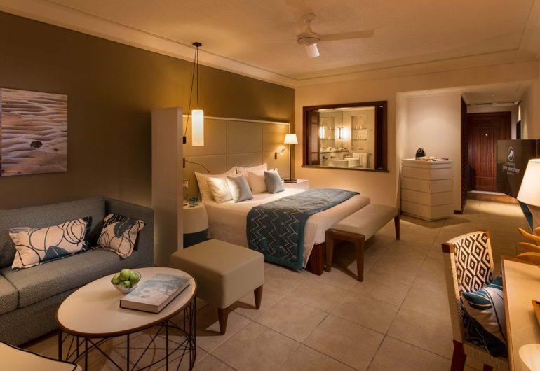 belle-mare-plage-2016-junior-suite-bedroom-01