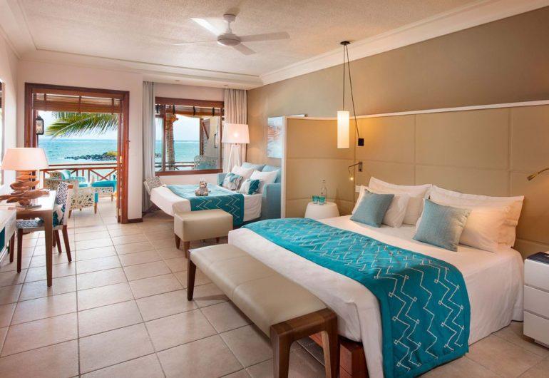 belle-mare-plage-2016-junior-suite-bedroom-seaview-02