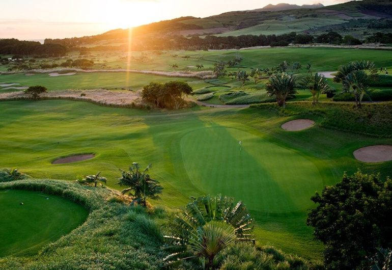 sunset-view-of-the-best-indian-ocean-golf-course_0