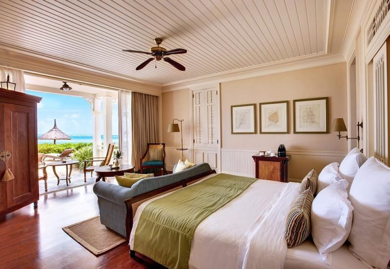 deluxe-beach-front-room-heritage-le-telfair_0