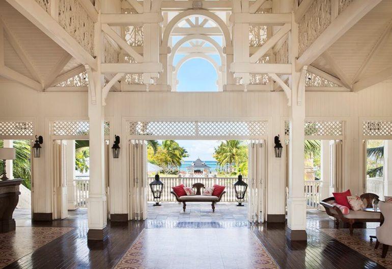 sea-view-through-lobby-heritage-le-telfair-hotel_0